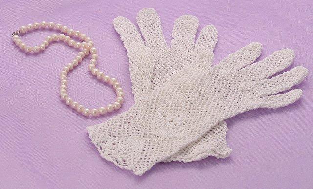 Crocheted White Cotton Gloves