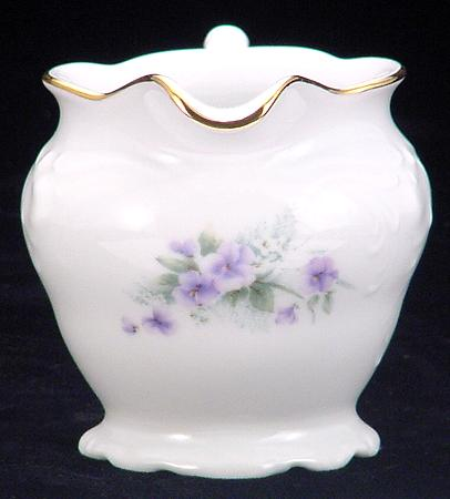 Violet Fine China Children´s Creamer - detail