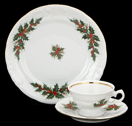 Christmas Berry Fine China Children's Starter Setting (Bonus $10 Gift Certificate! Limit 2.)