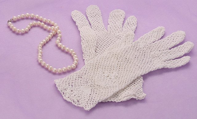 Crocheted White Cotton Gloves