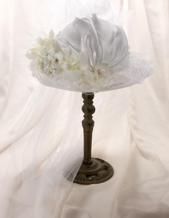 Dovelyn White Girl's Tea Hat