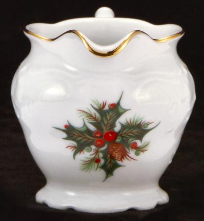 Christmas Berry Fine China Children´s Creamer - detail