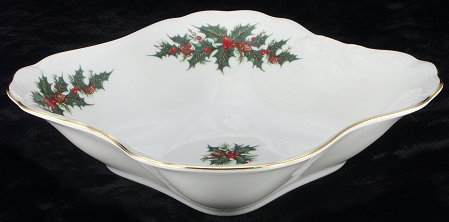 Christmas Berry Fine China Square Serving Bowl - detail