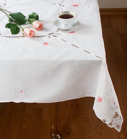 Rosewood Appliqued Tablecloth Set - 54 x 72 Oblong