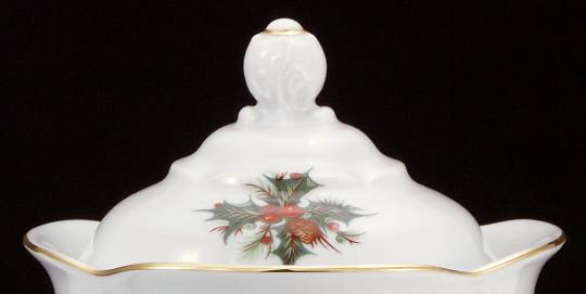 Christmas Berry Fine China Medium Teapot Lid